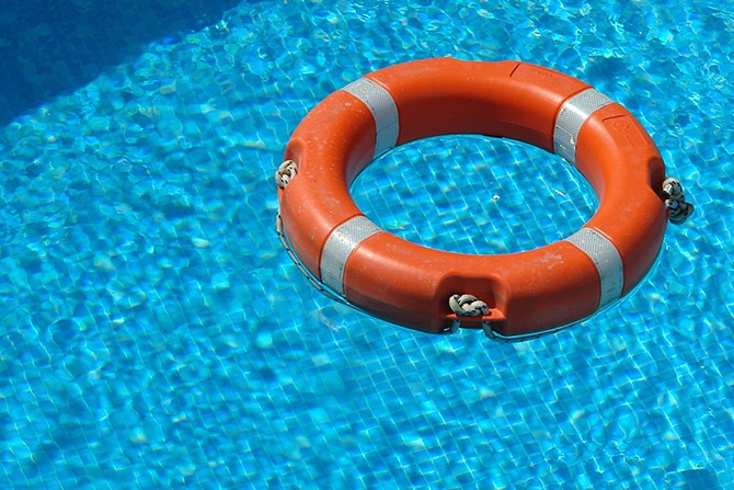 floating device in pool